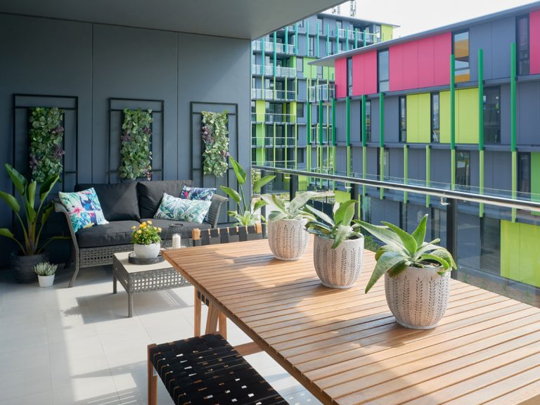2 bedroom apartment gold coast Display Outdoors - Southport Rentals - Smith Collective