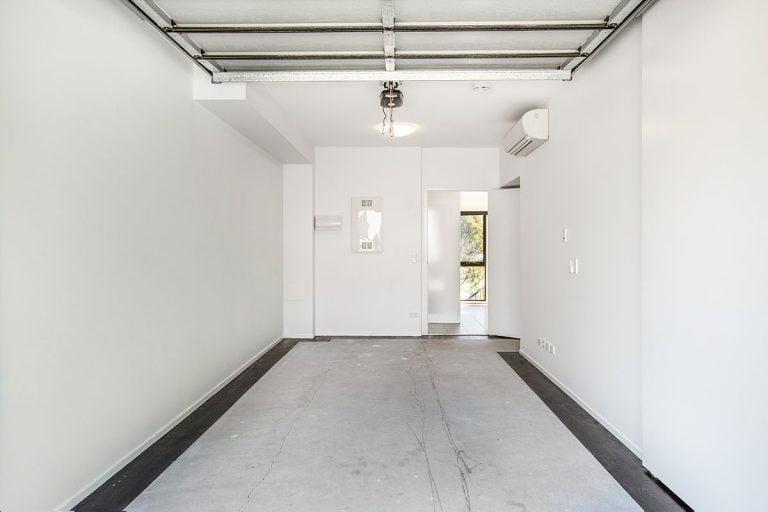 3 Bedroom Townhouse Garage