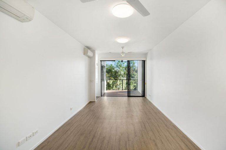 3 bedroom apartments for rent Living