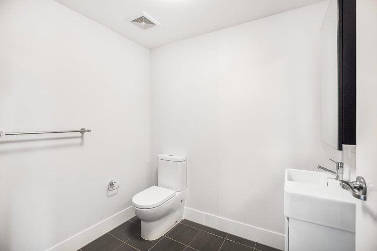 2 bed apartment gold coast Bathroom